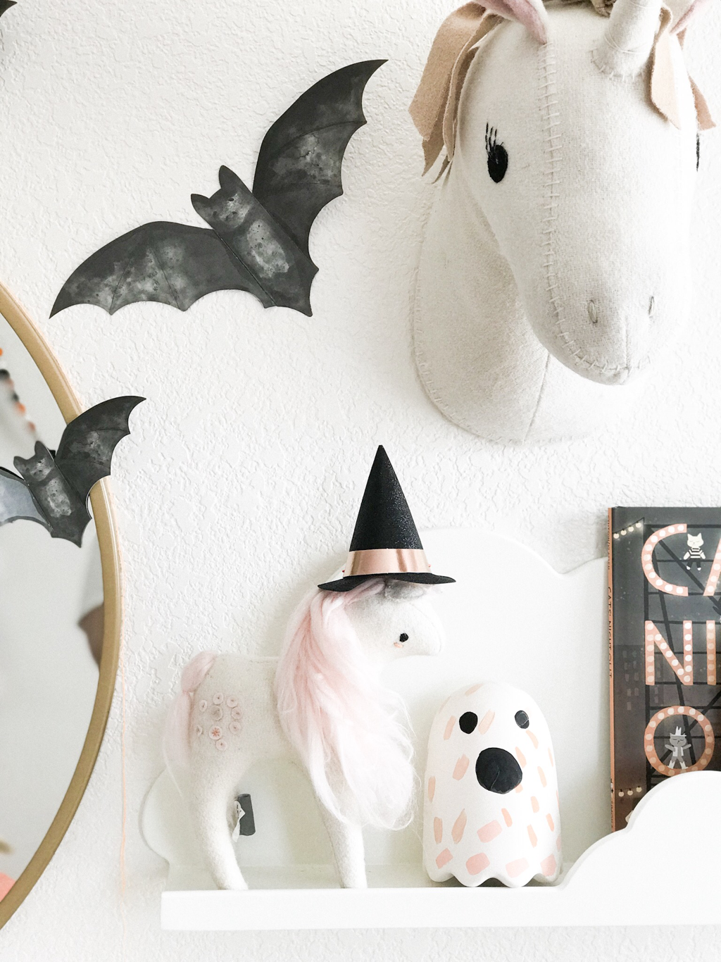 Halloween Home Tour - HAPPILY HUMMEL